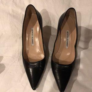 Manolo Blahnik low heel black pumps 36 1/2